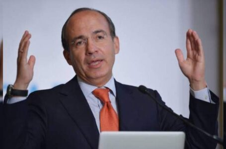 Hospitalizan a expresidente mexicano Felipe Calderón, por coronavirus