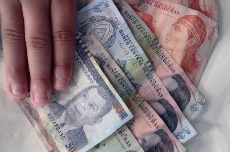 Economista vaticina que reajuste salarial se incrementará en al menos un 6%