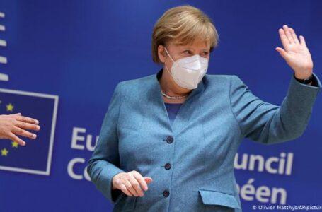 Angela Merkel completó su vacunación contra el Covid combinando dosis de AstraZeneca y Moderna