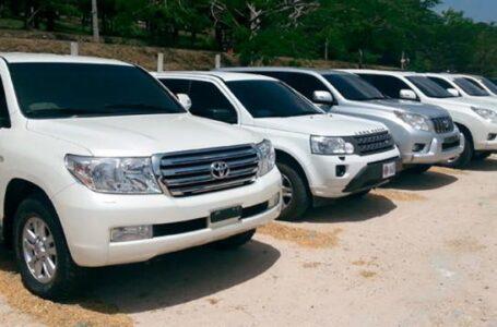 Califican como un «exceso» la compra de una flota de camionetas de lujo por parte del Gobierno