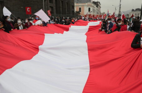 Perú en vilo por la demora en la proclamación del nuevo presidente