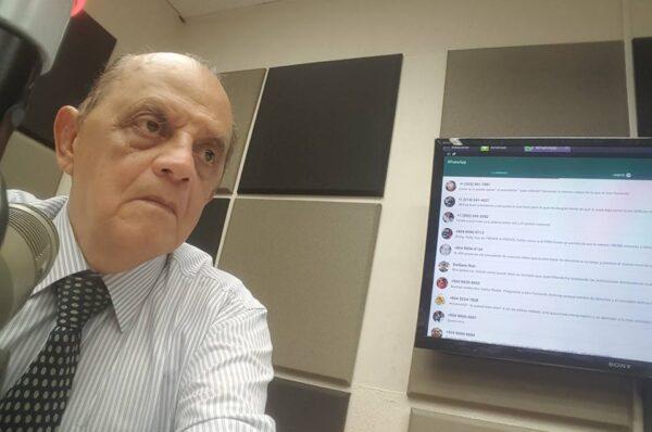 Por COVID-19 fallece el reconocido periodista Carlos Riedel