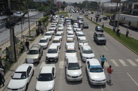 Unos 35 mil taxistas se irán a paro este jueves por incumplimiento de acuerdos