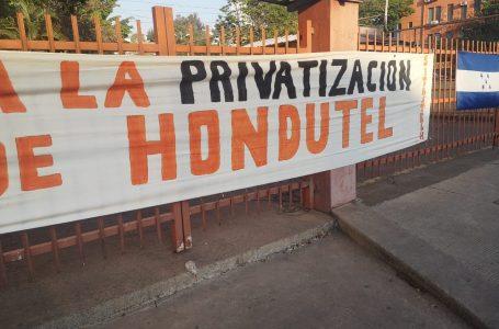 Empleados de Hondutel continúan en protesta exigiendo plan de rescate