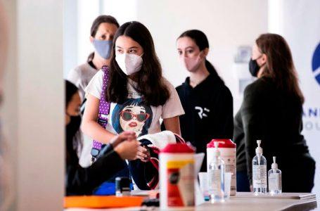 Nueva York vacunará contra el COVID-19 a los estudiantes en las escuelas públicas