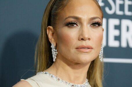 Jennifer Lopez firma millonario contrato para producir películas y documentales con Netflix