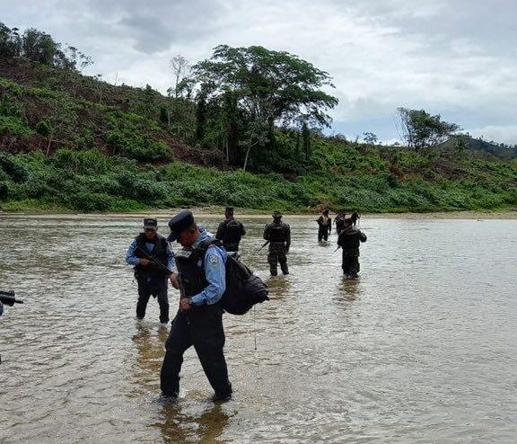 Investigan organizaciones ligadas a cultivos de arbustos de coca en Colón