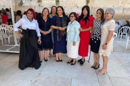Nutrida delegación que viajó a Israel habría costado unos 10 millones de lempiras: Fosdeh