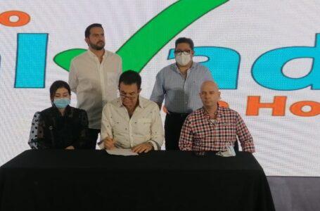 """Nasralla advierte nuevamente generar """"caos"""" si no tiene representantes en las MER"""