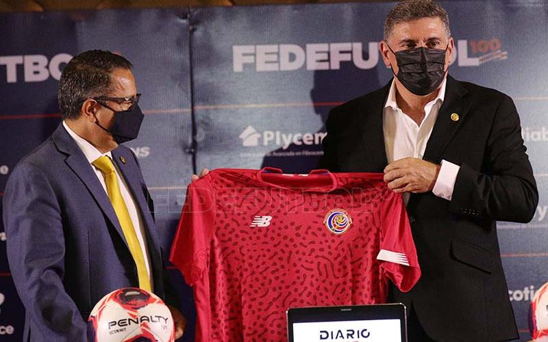 """""""Es un sueño volver al Mundial"""": Luis Fernando Suárez ya fue presentado en Costa Rica"""