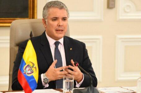 Disparan al helicóptero en el que se movilizaba el presidente de Colombia, Iván Duque