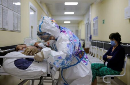 Rusia registró la cifra diaria de muertes por coronavirus más alta del año