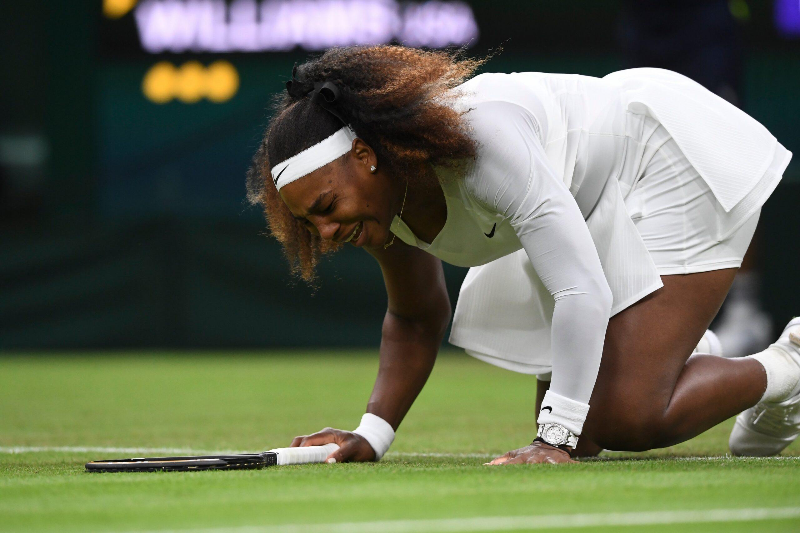 Serena Williams abandona Wimbledon llorando por lesión