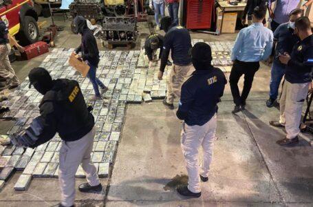 Incautan casi media tonelada de cocaína oculta en cisterna de gas