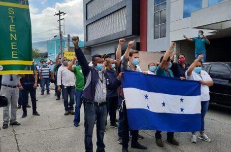 STENEE anuncia protestas esta semana por falta de pago salarial y décimo cuarto