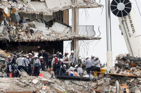 Suben a 16 los muertos tras hallazgo de 4 cuerpos bajo los escombros del edificio en Miami