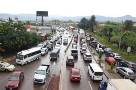 Recomiendan planificar el uso de los vehículos para mitigar el alto costo de los combustibles