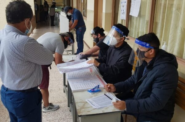En Honduras es difícil ver un cambio a nivel electoral: Julieta Castellanos