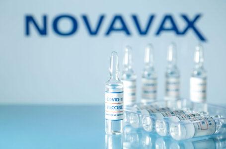 Vacuna contra COVID de Novavax tuvo una eficacia del 90% en pruebas realizadas en México y EEUU