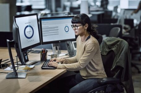 El más reciente informe sobre amenazas a la ciberseguridad revela que los hackers están compartiendo herramientas de visión artificial para potenciar capacidades