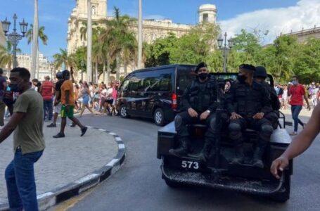 Gobierno de Cuba confirma un muerto en las manifestaciones a las afueras de La Habana
