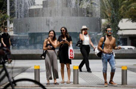 Israel reimpone restricciones en espacios cerrados por el aumento de contagios
