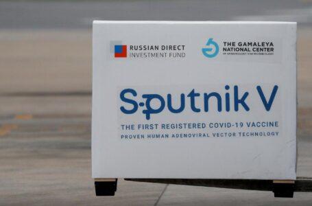 """Proponen al Gobierno pedir """"prestadas"""" las Sputnik V ante preocupación de vacunados"""