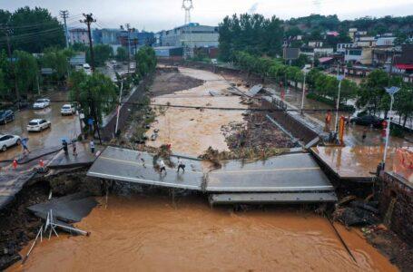 Inundaciones en China dejan al menos 33 muertos y 8 desaparecidos