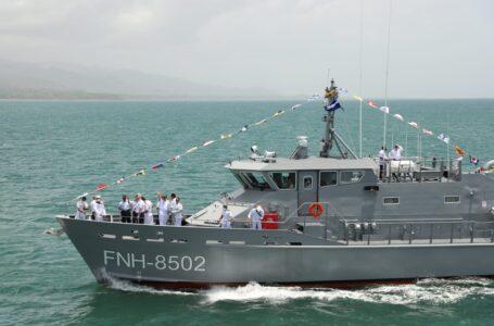 """EEUU dona lancha patrullera """"Río Aguán"""" a las FFAA para operaciones marítimas"""