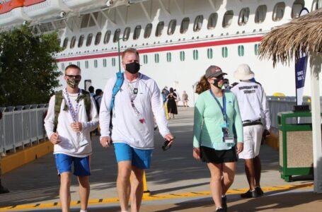 """Con la llegada de cruceros es el """"renacer de la industria turística"""" en Honduras"""