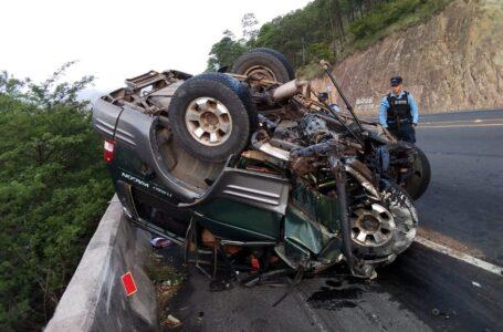 Tres personas perdieron la vida en aparatoso accidente en la carretera CA-5