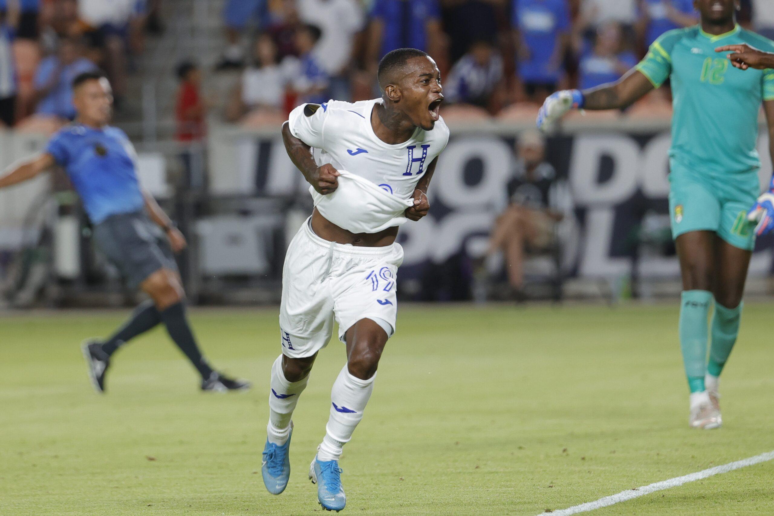 Honduras debuta con goleada 4-0 sobre Granada en inicio de la Copa Oro