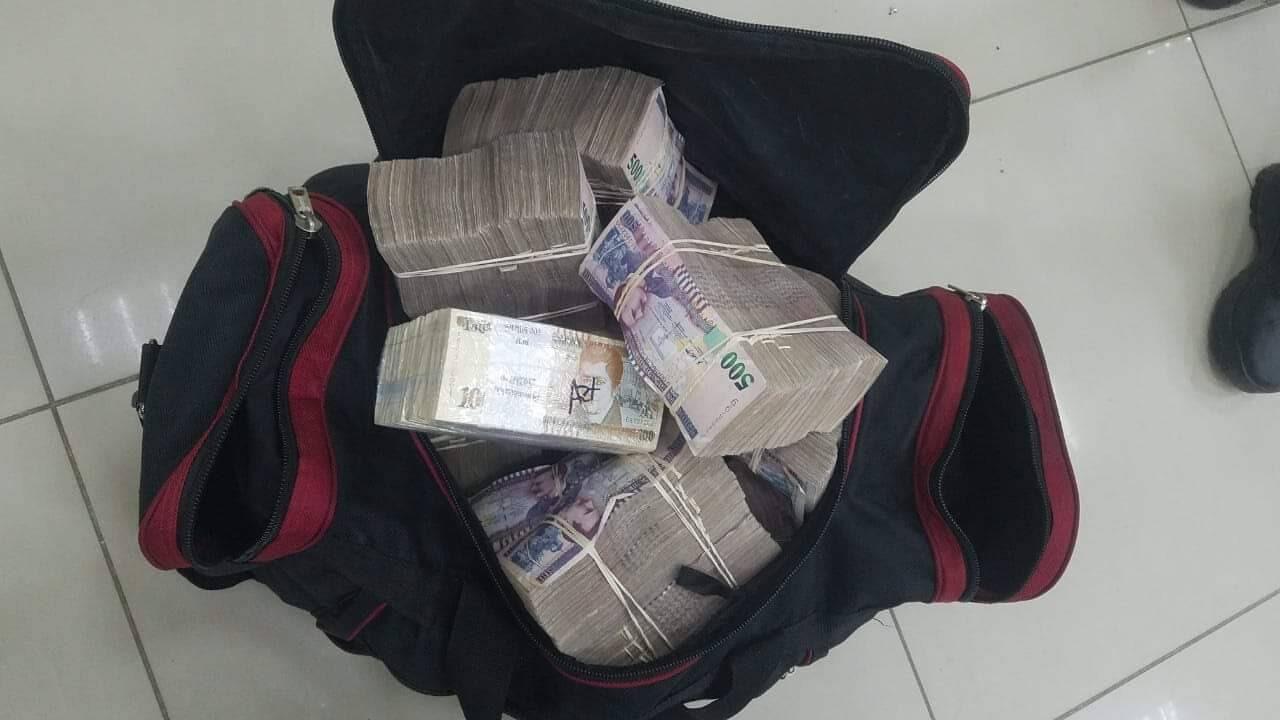 Policía frustra asalto de pandilleros que huían con L. 8 millones de agencia bancaria