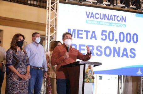 Este fin de semana se vacunará a mayores de 35 años en masiva jornada en la capital