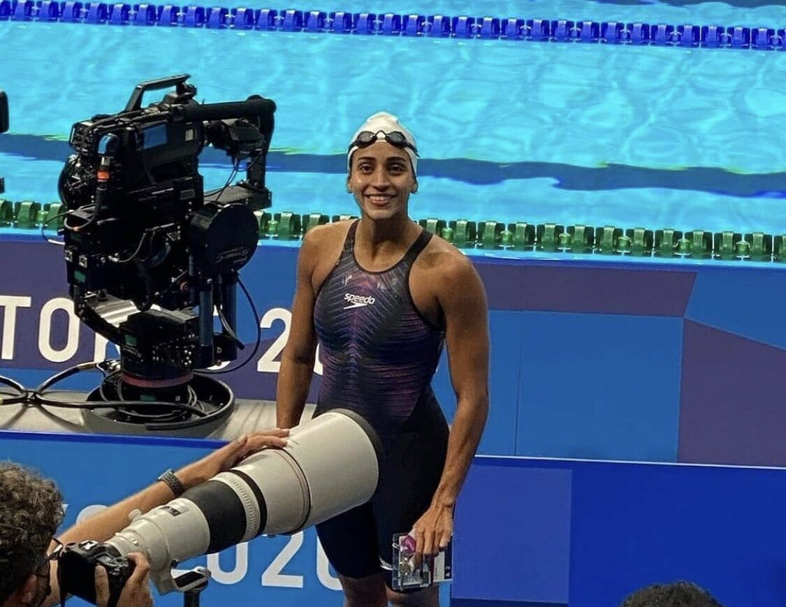 Nadadora hondureña Julimar Ávila hace historia y se clasifica a semifinales en los Olímpicos