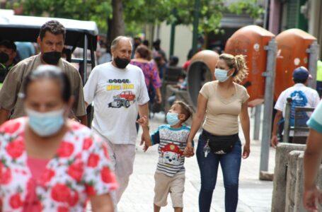 """Es una """"pandemia viva"""", hay que reforzar las medidas e incrementar vacunación: OPS"""