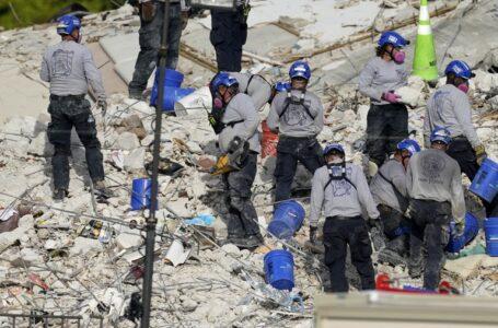 Hallan otro cuerpo entre escombros del edificio en Miami y las víctimas fatales ascienden a 28