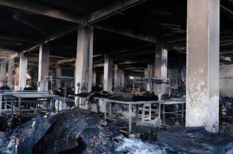 Más de 50 muertos por un incendio en una fábrica de Bangladés