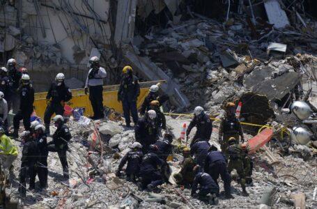 Encuentran otros tres cuerpos y el total de muertos asciende a 27 tras derrumbe de edificio en Miami