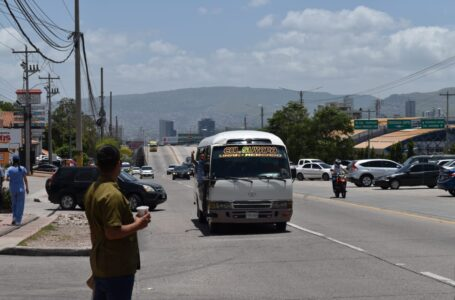 Autoridades aclaran que acuerdo con transportistas no incluye aumento de tarifas