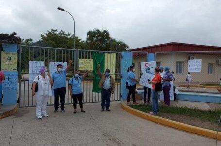 Médicos de Danlí denuncian «hostigamiento» y abuso laboral en hospital Gabriela Alvarado