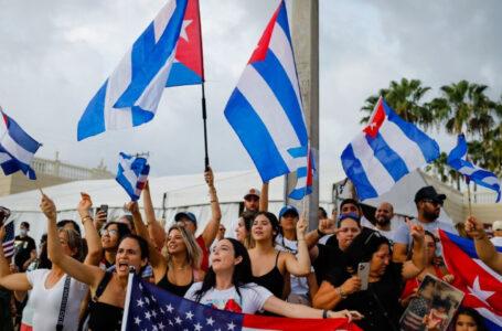 Cubanos en Miami planean viajar a la isla para respaldar las históricas protestas