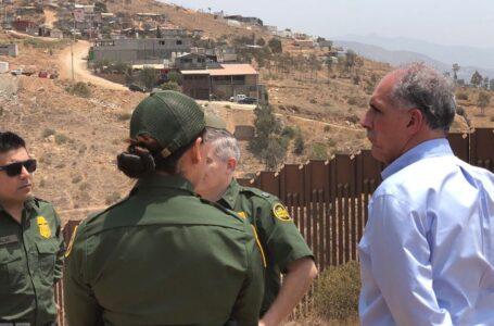 """Tito Asfura visitó """"albergue de menores migrantes hondureños no acompañados"""" en Pomona, California"""