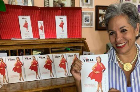 Periodista hondureña Nora Schauer publica libro sobre empoderamiento femenino