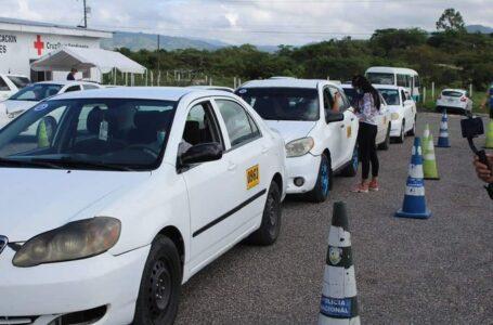 Autoridades dan inicio a la jornada de vacunación a taxistas y transporte de carga