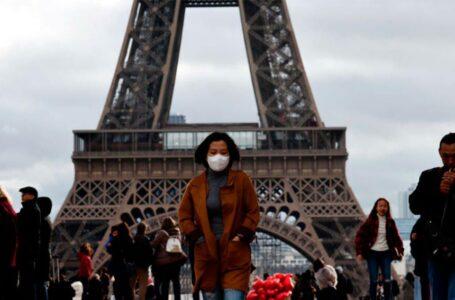 Presidente Macron denunció que la situación con la pandemia es «más que complicada»