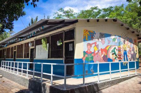 Gobierno invierte L. 1,200 millones en reconstruir 250 centros educativos