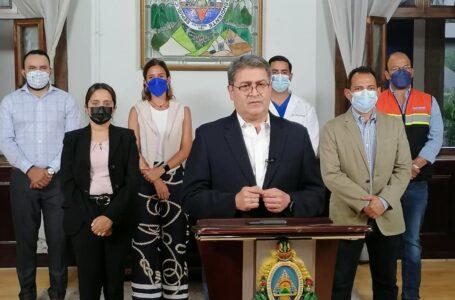 Presidente Hernández insiste en que hay vacunas y anuncia inoculación de jóvenes entre 15 y 17 años