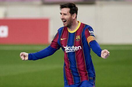 Messi llega a un acuerdo con el Barcelona y seguirá en el club hasta el 2026