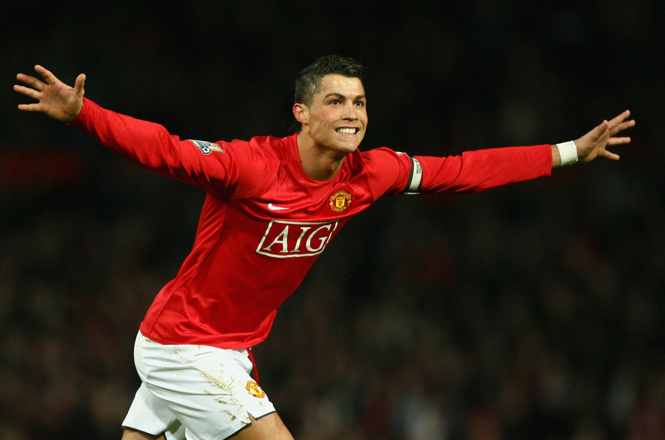 Oficial: Cristiano Ronaldo firmó con el Manchester United y volverá al club tras 12 años
